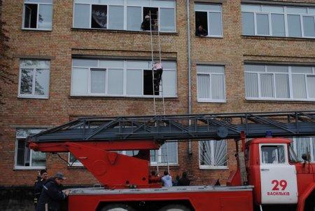 В Василькові завалилася частина будівлі школи №6 (оновлено)