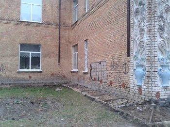 Капітальний  ремонт відмощення  у Васильківських загальноосвітніх школах №7 та №1.