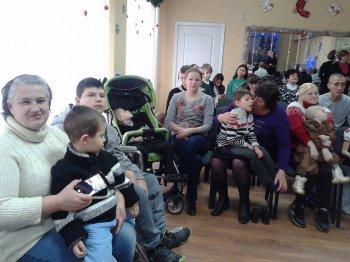 Новорічно - різдвяна  програма для дітей з обмеженими можливостями.