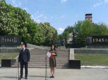 Сьогодні в Україні відзначається День пам'яті та примирення.